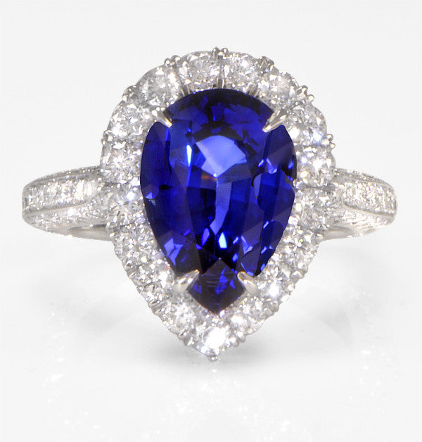 Ladies Sapphire And Diamond Ring (5.93 ct.) in Platinum (5.93ct/sapphire 1.76ct/diamonds)