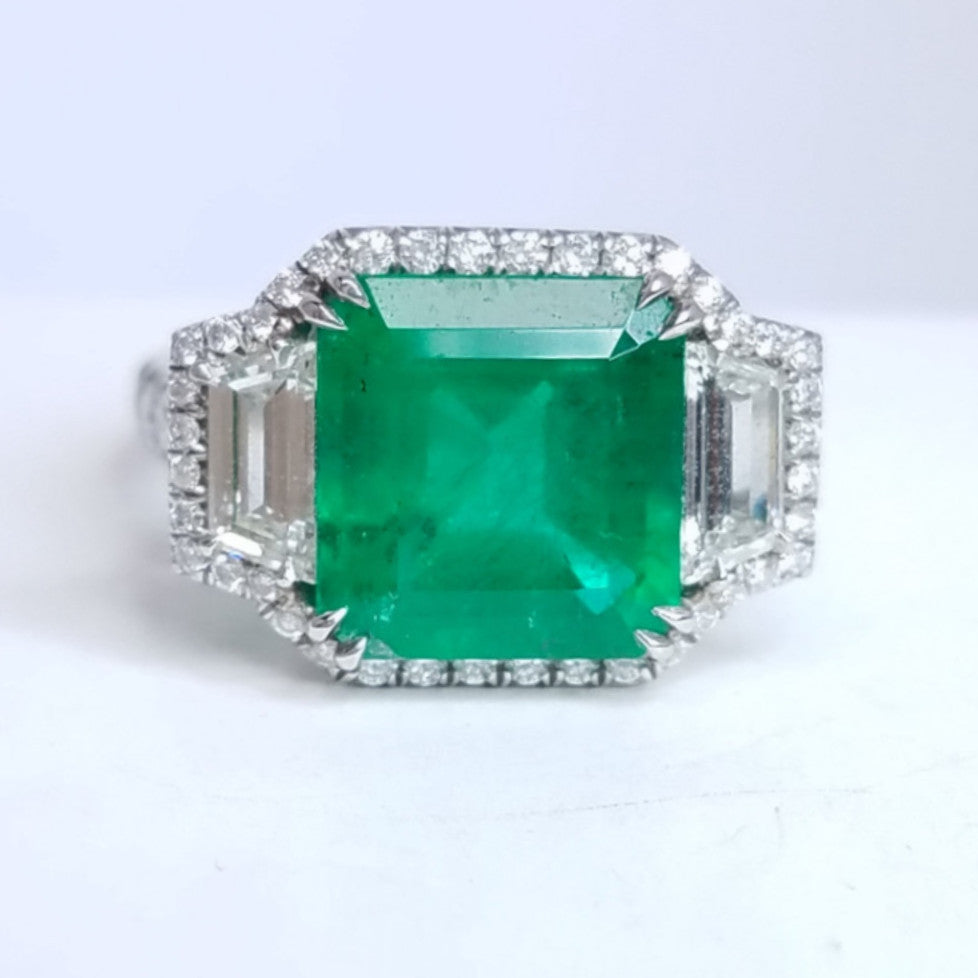 Emerald Ladies Diamond Right Hand Ring - SEA Wave Diamonds