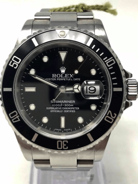 Rolex Submariner Date Black Dial Y serial Complete Set Box & Papers 2004 16610