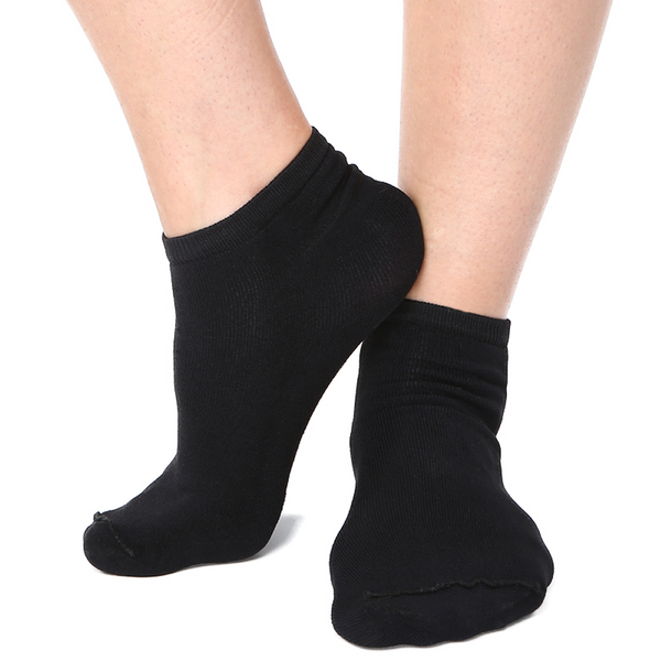 Far Infrared Circulation Ankle Socks in Black