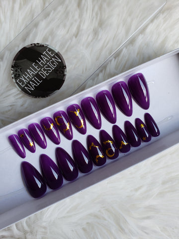 Freakin Bats | Glue on Fake Nails | Ready to Ship | Full Set | Medium Length Almond