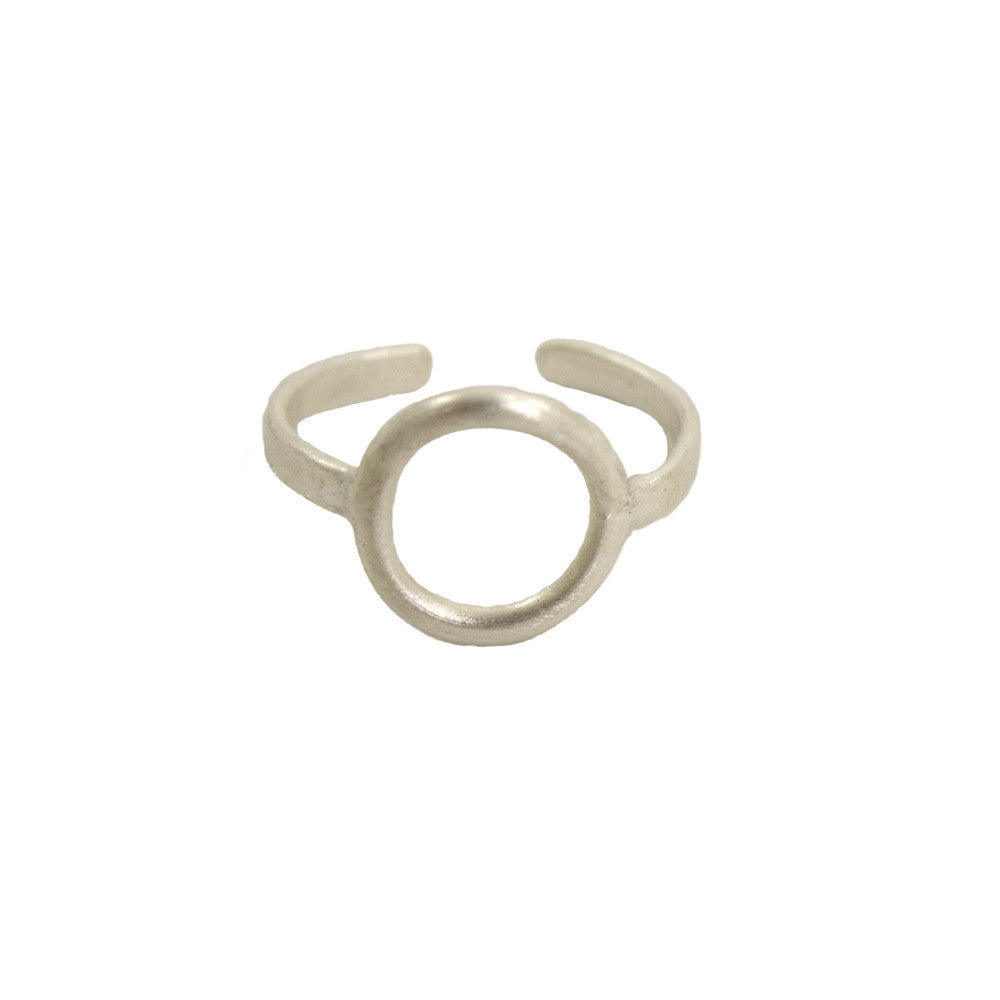 Petite Circle Ring in Gold