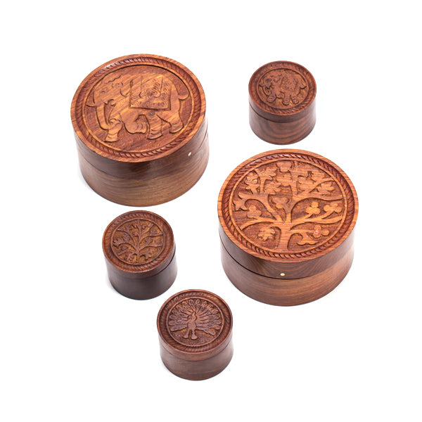 perfect for holding a variety of small treasures, and it's beautiful engraving adds just the right decorative touch to counters, tables, bookshelves and more.
