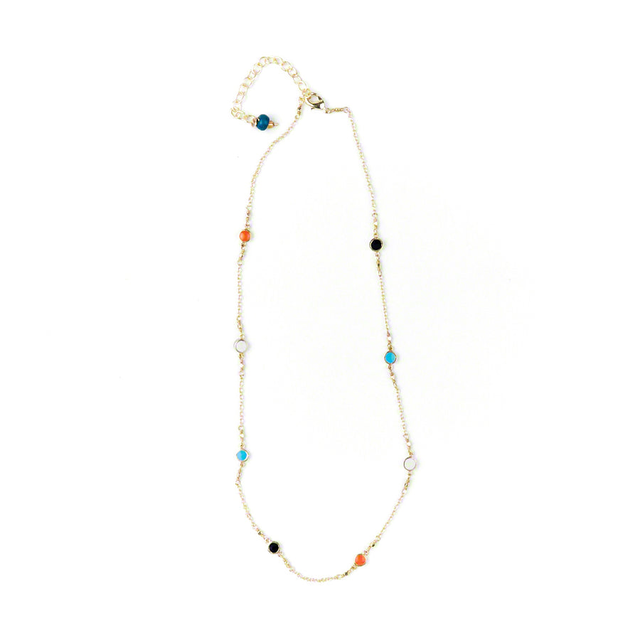 Dainty Dot Necklace Closup
