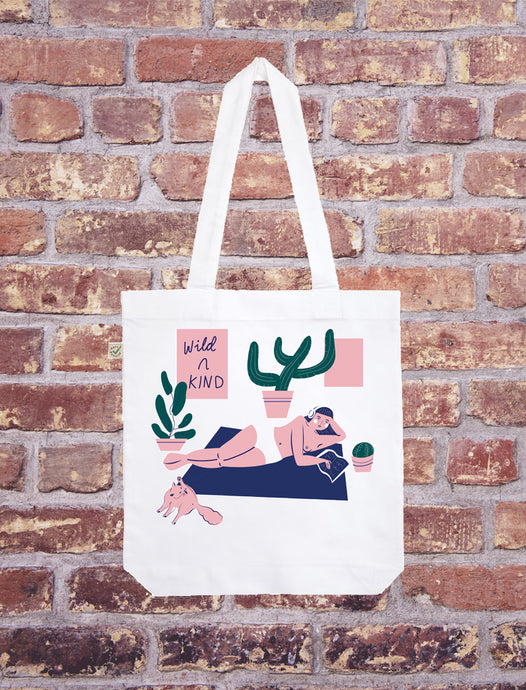 POSTER GRL - Isabella Bunnell - TOTE