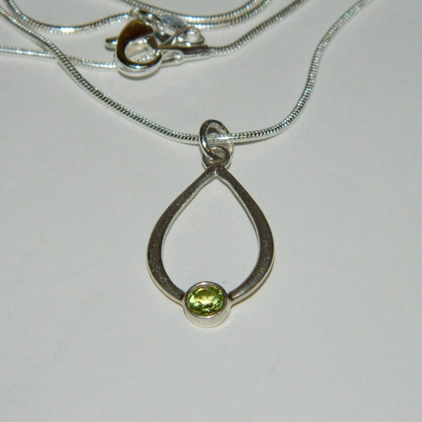 Authentic Pandora Pendant Green Peridot S925 Ale