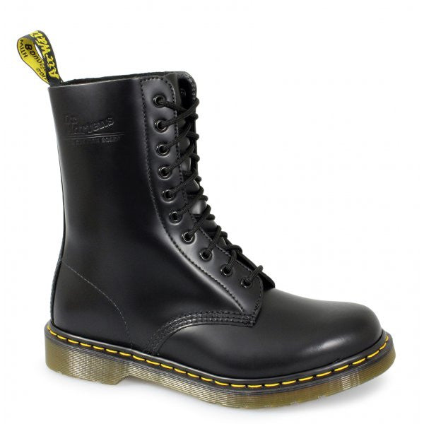 Dr Martens Black Smooth Leather Classic 10 Eye DM Boot (DM017A)