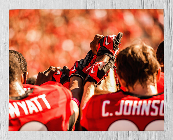UGA: Football Teamwork Photographic Print - Georgia Bulldogs Art