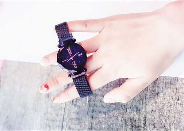 The Queen Timepiece- Exclusive Magnetic Strap
