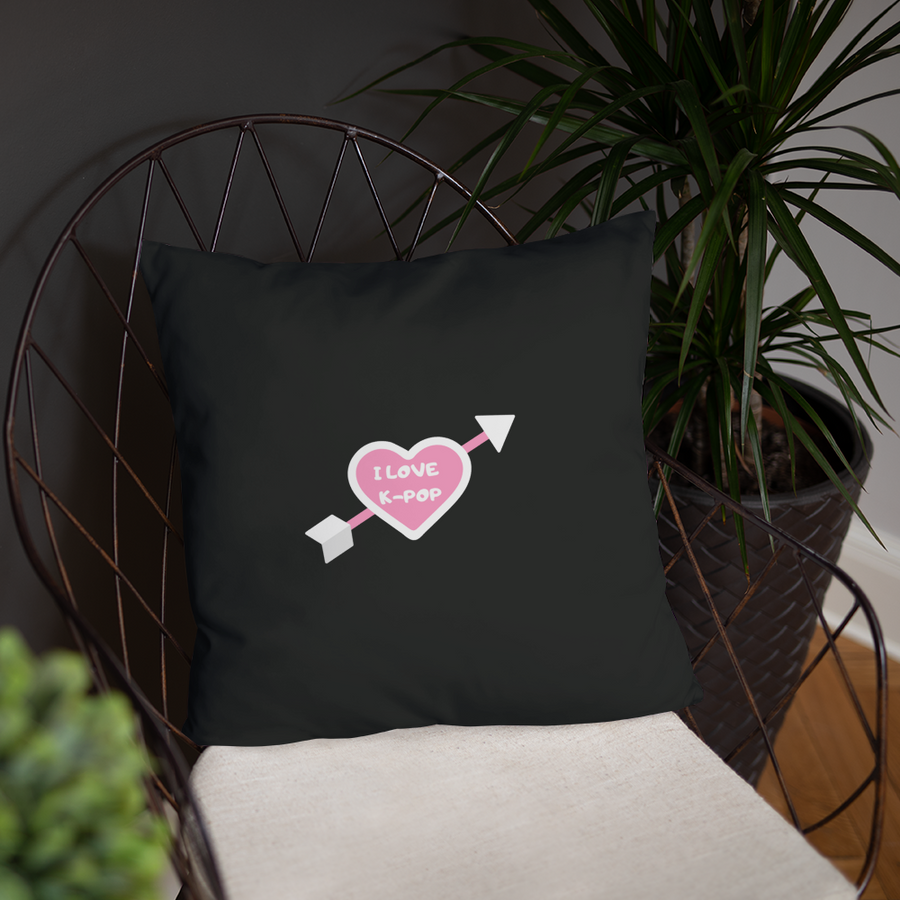 I Love K-Pop Throw Pillow