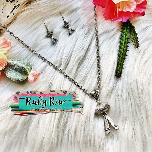 Vintage Squash Blossom Pendant Necklace - Ruby Rue Jewelry & Accessories