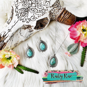 Jolene Turquoise Pendant Necklace - Ruby Rue Jewelry & Accessories