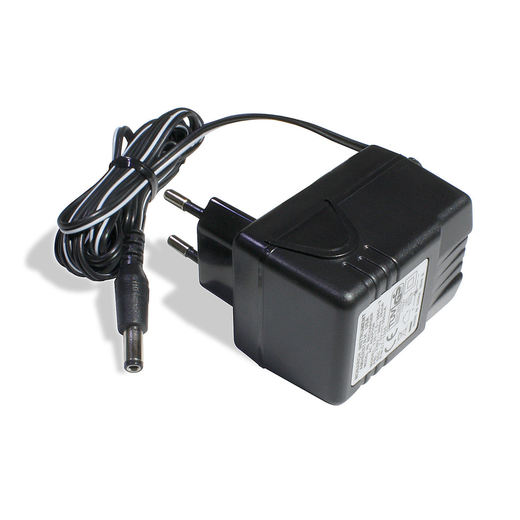 R-6  230 Vac - 50/60Hz Recharger for Nova-Strobe BB model