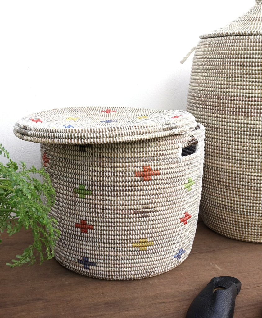 Unique patterned storage basket suiting to your home decor. This Senegal container is used to decorate and declutter.