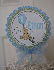 CLASSIC WINNIE THE POOH WITH BALLOON BLUE - CAKE TOPPER
