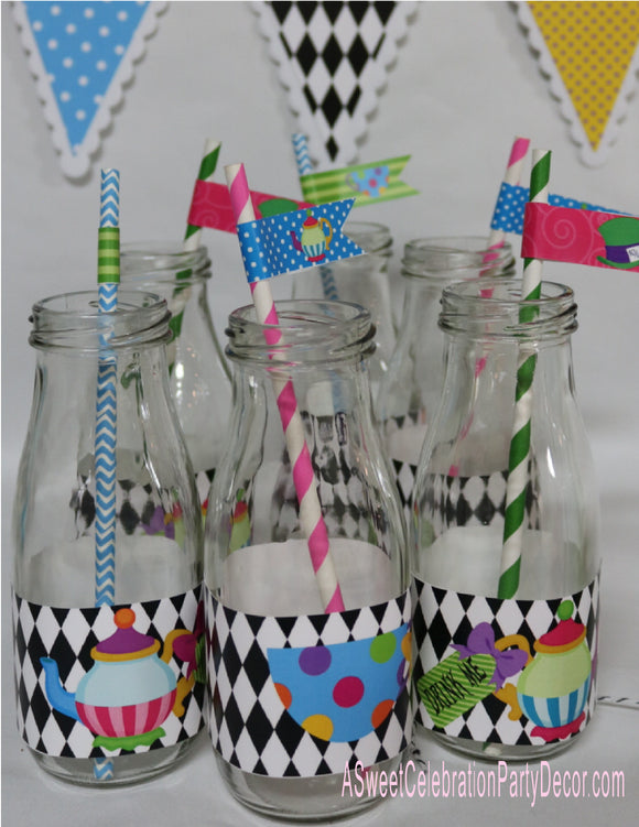 ALICE IN WONDERLAND - PRINTABLE WATER BOTTLE OR MILK BOTTLE LABELS AND FREE STRAW FLAGS