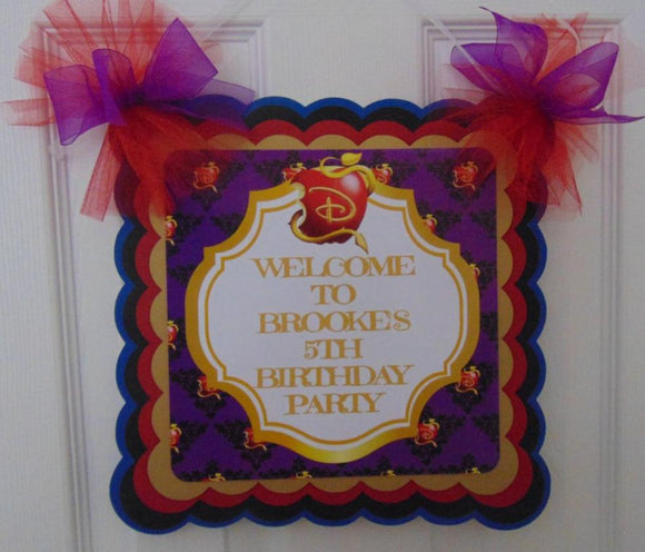DISNEY DESCENDANTS - WELCOME DOOR BANNER