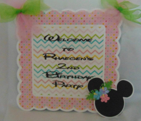 MINNIE MOUSE LUAU PASTEL- WELCOME DOOR BANNER