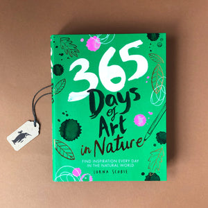 365-days-of-art-in-nature-front-cover-green-background-with-leaf-illustrations