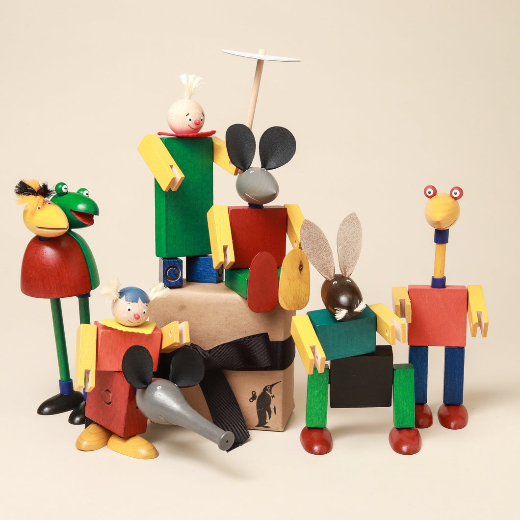 Rollicking Family Steck Figure Set - Building/Construction - pucciManuli