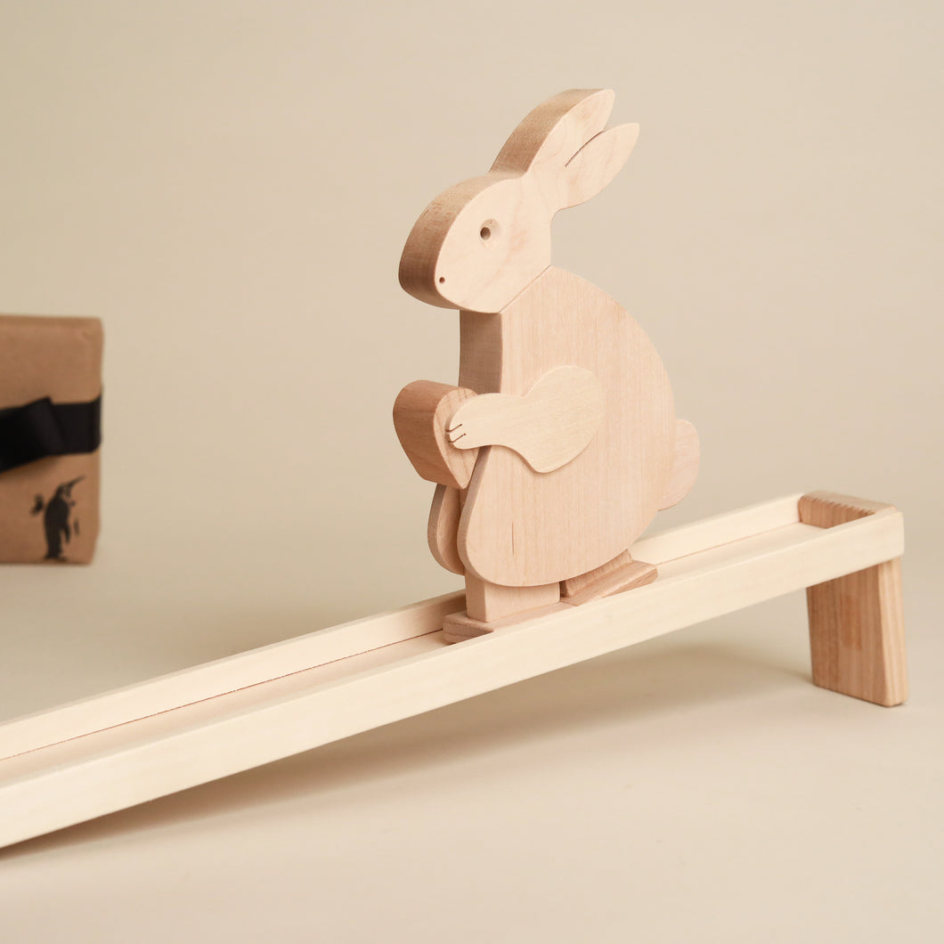 Wooden-Walking-Rabbit-Toy-and-Ramp-all-in-natural-wood-by-grunspecht