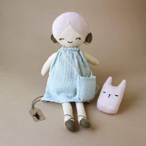 apple-doll-in-blue-dress-with-pink-animal