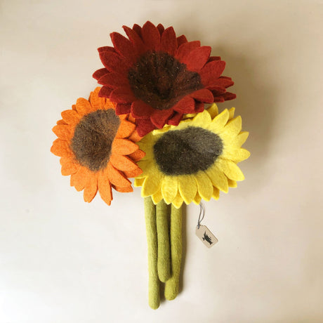 felted-sunflowers-with-light-green-stems