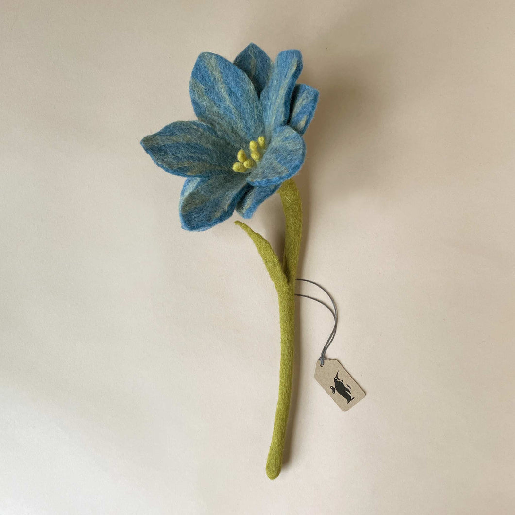 felted-wildflower-large-blue-with-green-stem