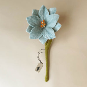 felted-wildflower-large-pastel-blue-with-green-stem