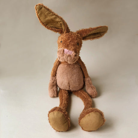 les-baba-bou-rabbit-grand-with-brown-fur-and-a-pink-nose