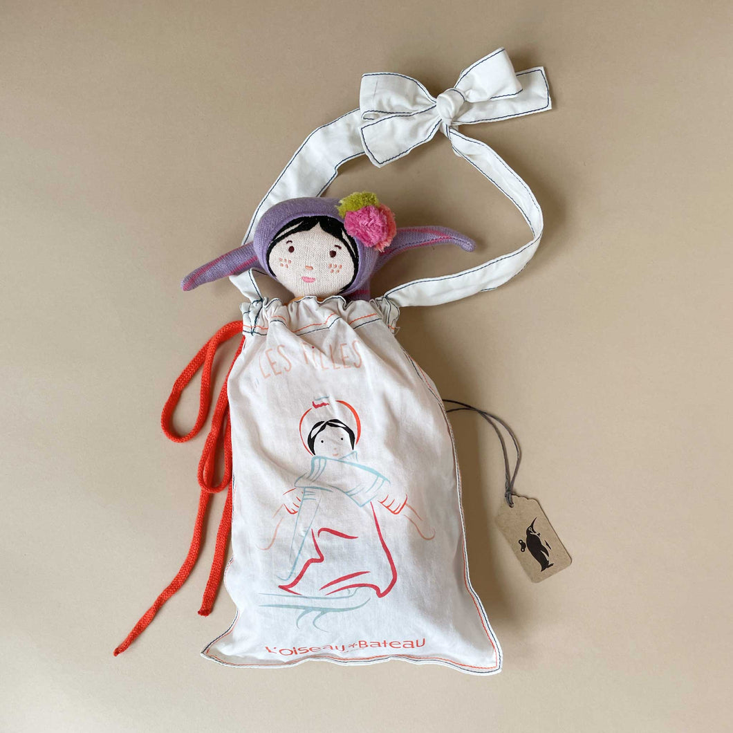 fantine-doll-in-her-gift-bag
