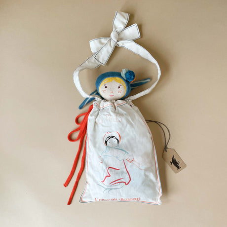 gertrude-doll-in-her-gift-bag