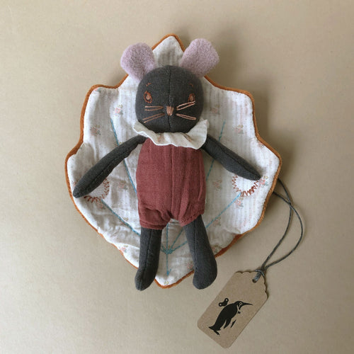 Petit Rosée Mouse with Leaf Blanket - Stuffed Animals - pucciManuli