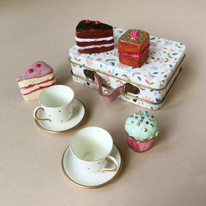 Matchbox Mouse Accessories | Cakes & Tea Set in White Merle Suitcase - Pretend Play - pucciManuli