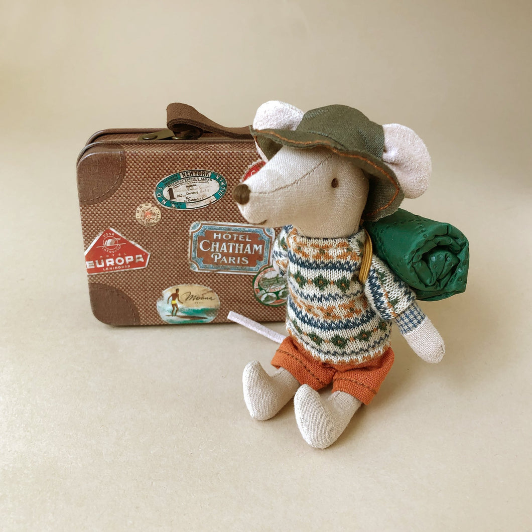 Matchbox Mouse Big Brother | Hiker in Brown Suitcase - General - pucciManuli