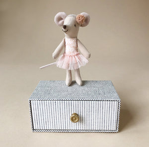 Matchbox Mouse Little Sister | Dancer with Daybed - Pretend Play - pucciManuli
