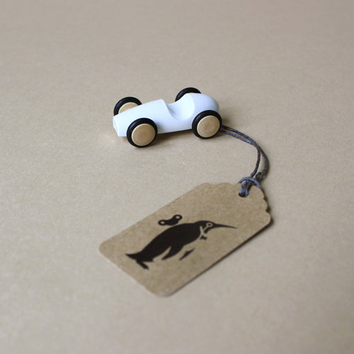 mini-wood-finger-racer-car-in-white