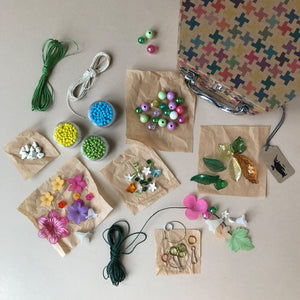 petal-party-jewelry-kit-various-pieces