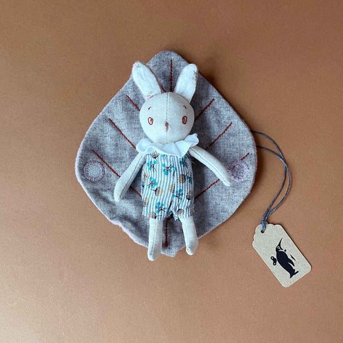 Petit Mousse Rabbit with Leaf Blanket - Stuffed Animals - pucciManuli