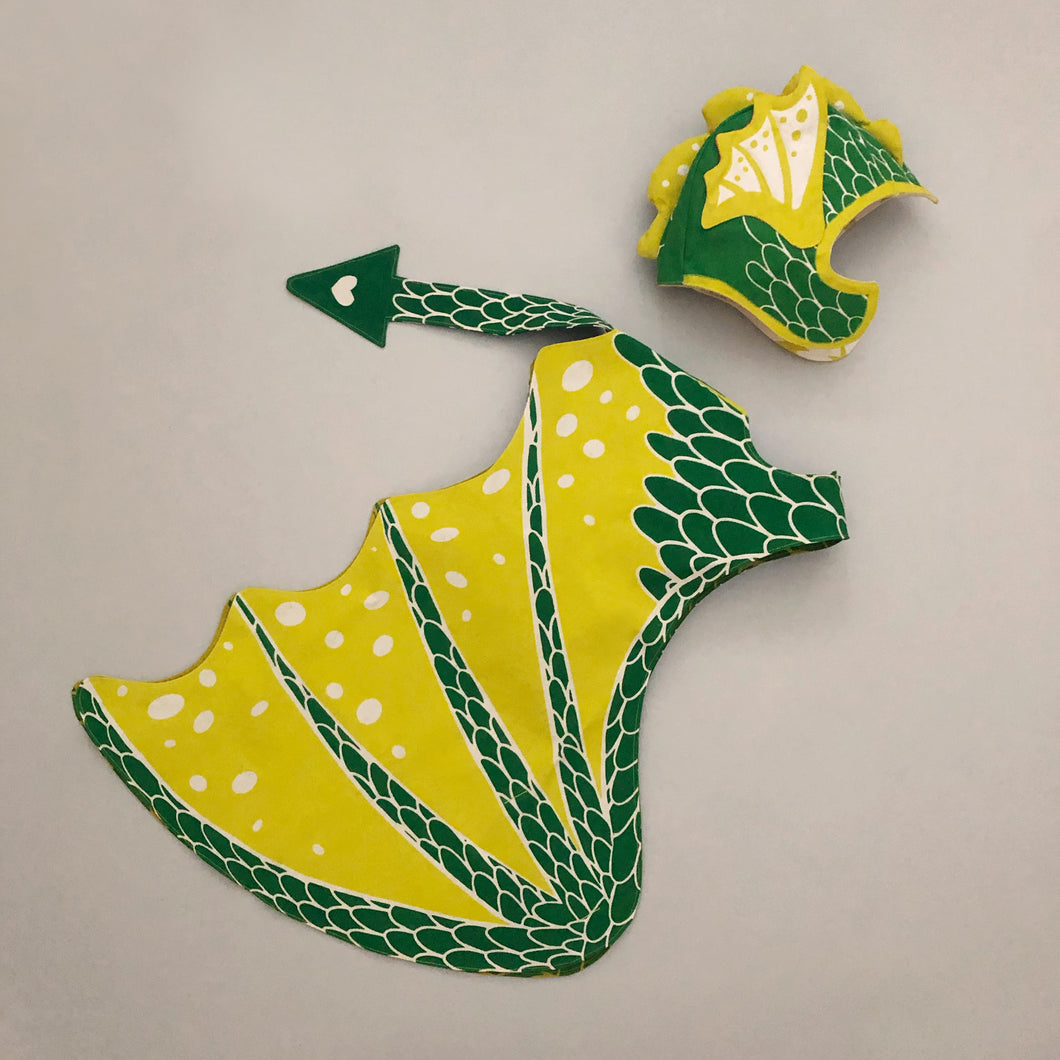 pretend-play-dragon-wings-set-green-with-yellow-accents-including-dragon-hat-with-ears-by-lovelane-designs