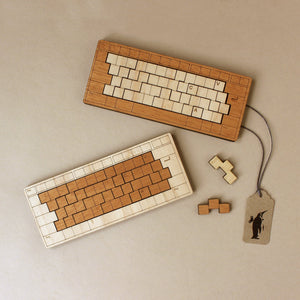 wooden-keyboard-puzzle-in-two-tone-wood