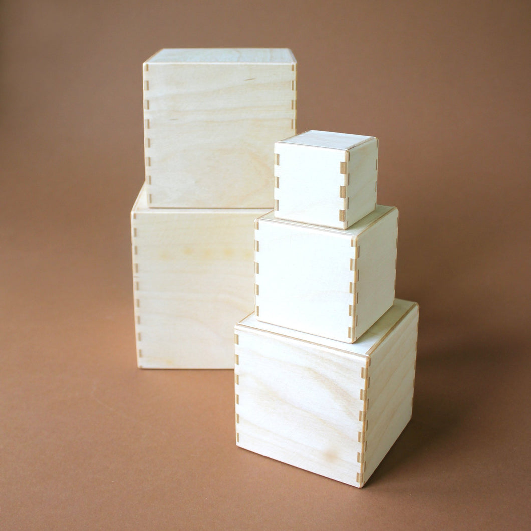 wooden-nesting-boxes-in-natural-stacked