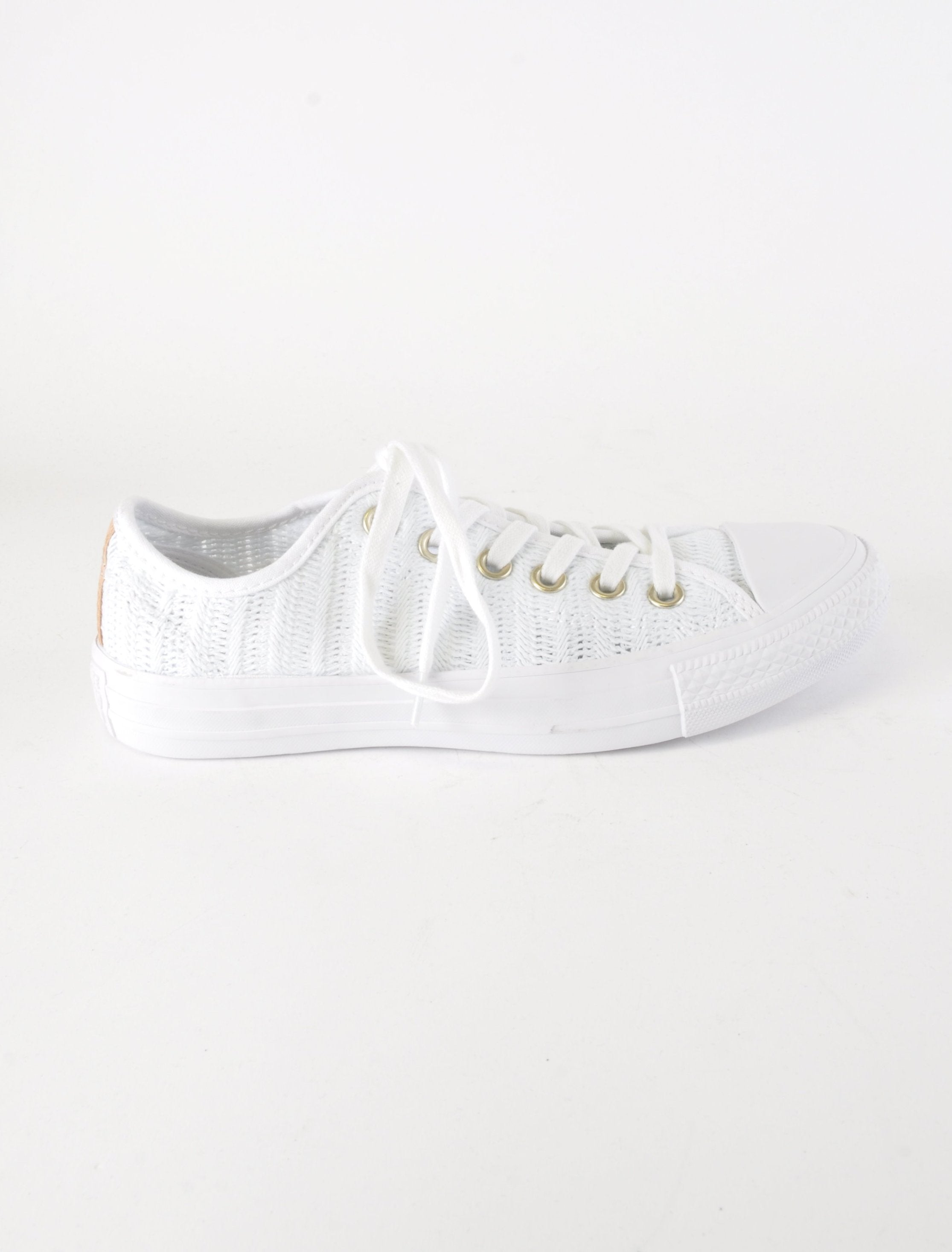 White Knitted Lowtop Converse - New But Imperfect