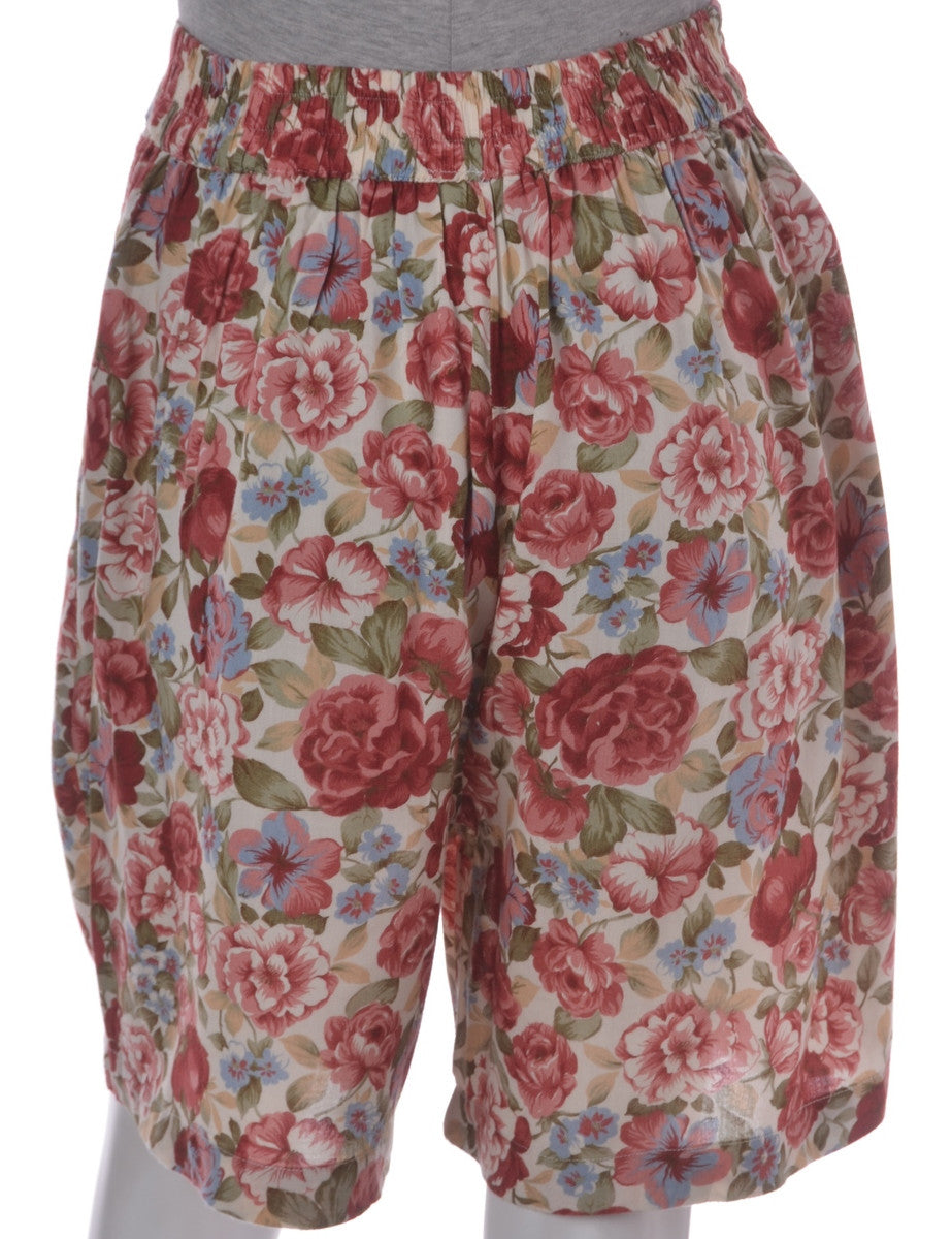 Vintage Casual Shorts Pink With An Elasticized Back
