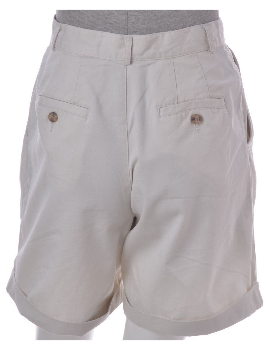 Vintage Casual Shorts Off White With Front Pleats