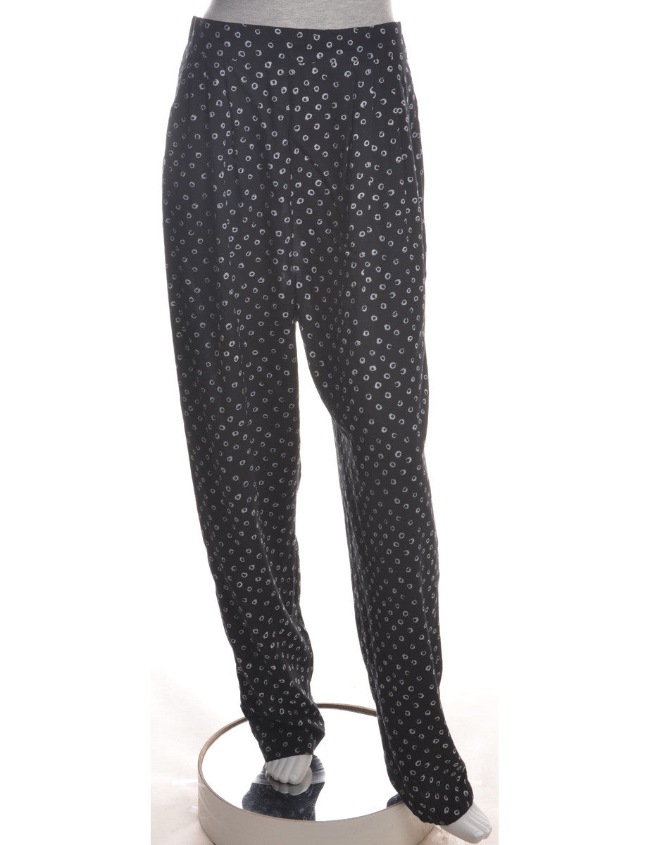 Summer Trousers Black With An Elasticized Back