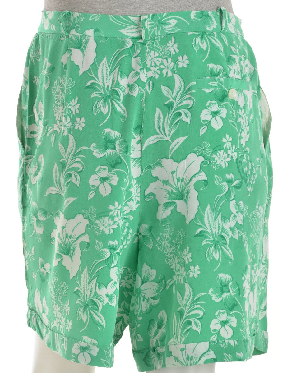 Casual Shorts Green With A Cuffed Hem
