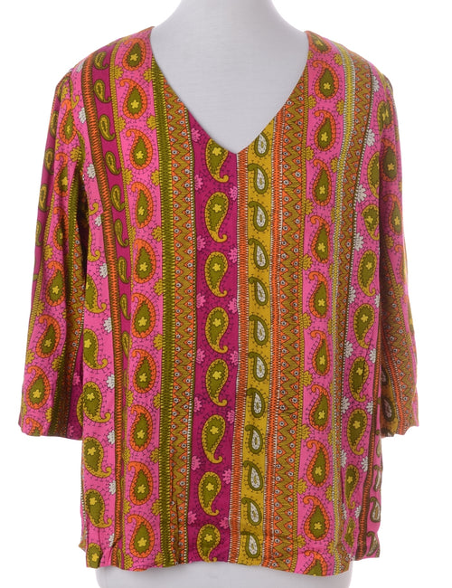 Vintage Printed Top Pink With A V-neck