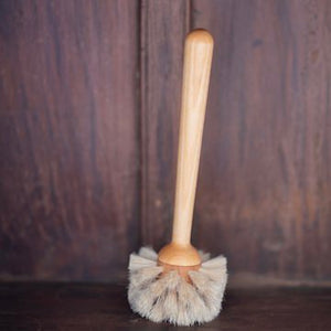 handmade-FSC-certified-birch-wood-and-sustainable-horse-hair-bristle-glass-cleaning-brush