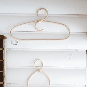 handmade-sustainable materials-handcrafted-Bali-Indonesia-clothes-hanger
